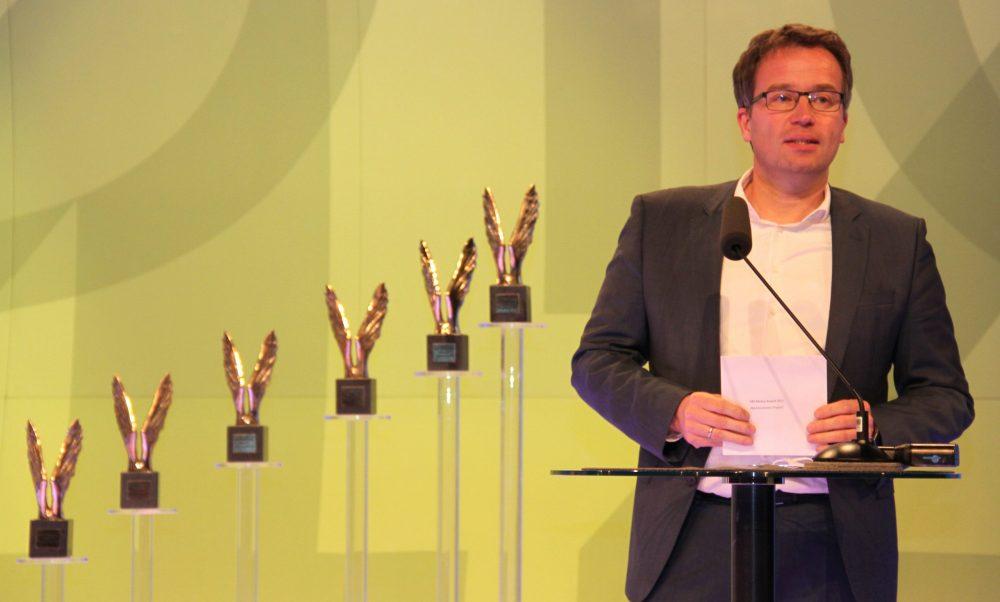 AMS-Vorstand Johannes Kopf bei der Laudatio fürs beste Wirtschaftsprojekt