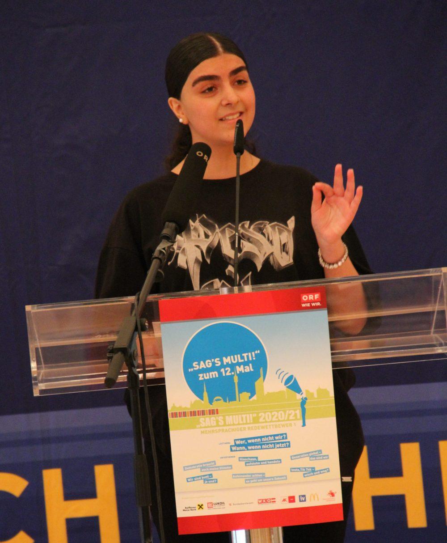 Rednerin Denisa Drugescu