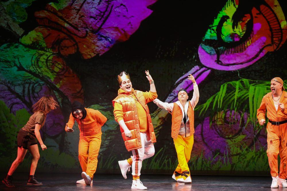 """Szenenfoto aus """"Das Dschungelbuch"""" in der Volksoper Wien"""
