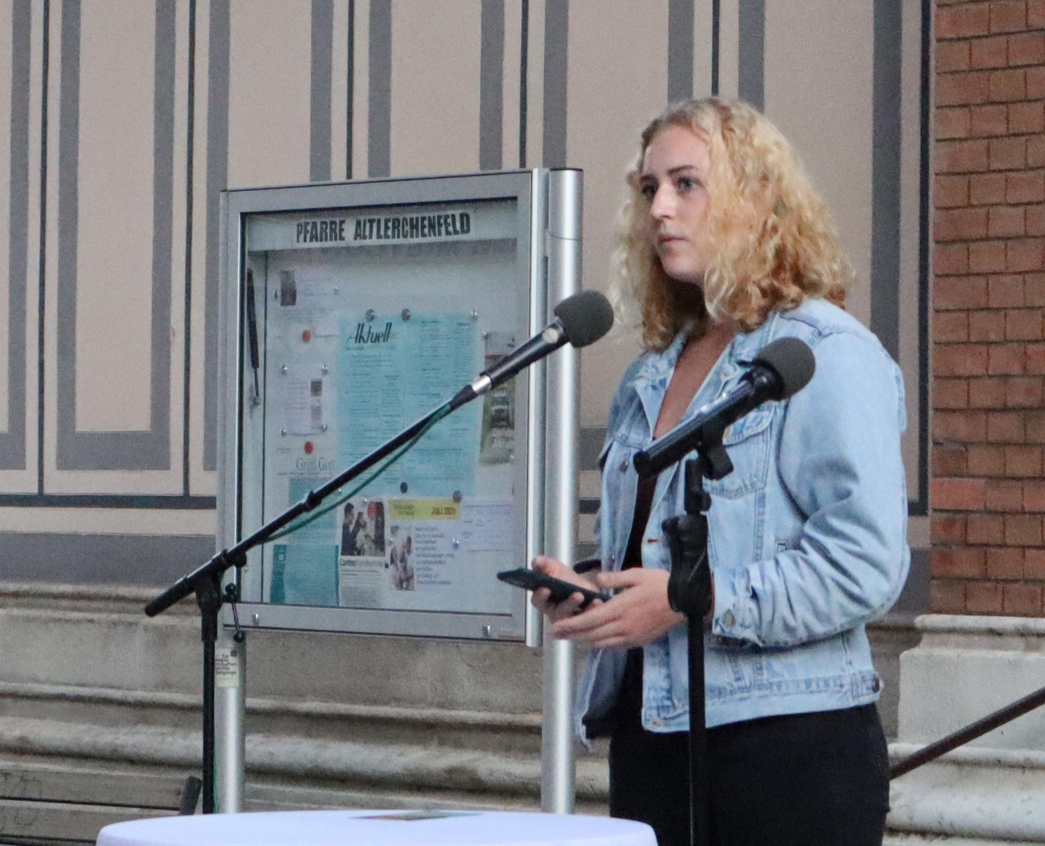GRAS-Sprecherin und im Vorsitztema der ÖH; Keya Baier