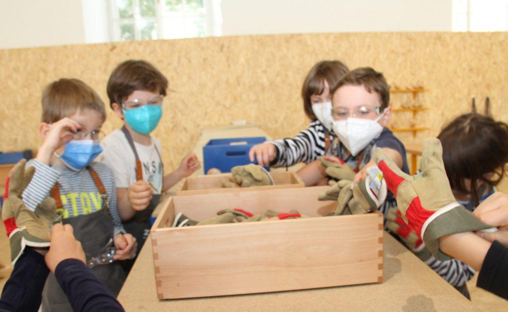 Kinder in der Mitmachausstellung