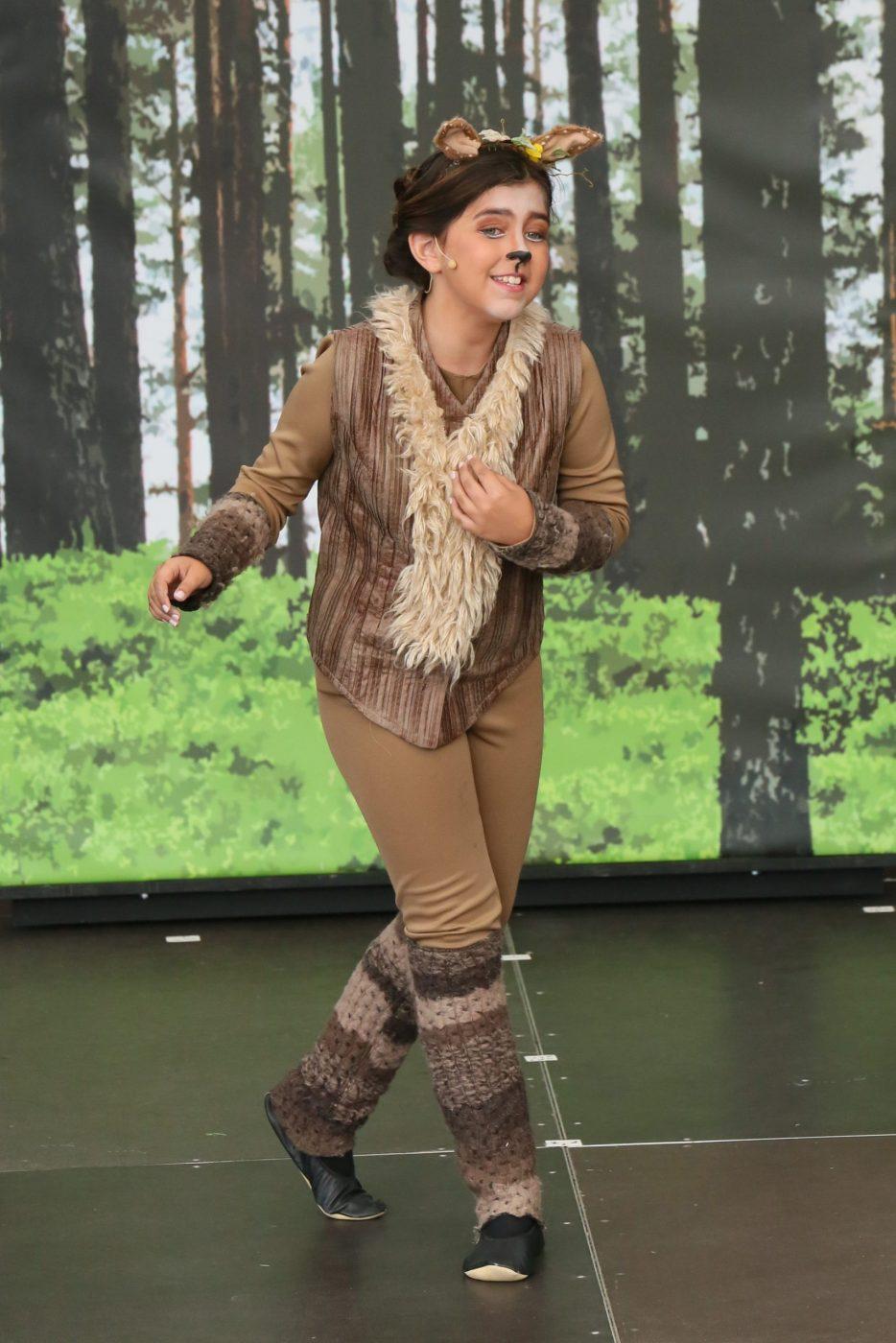 Anastasija Mila Krstić als junge Hirschin Faline