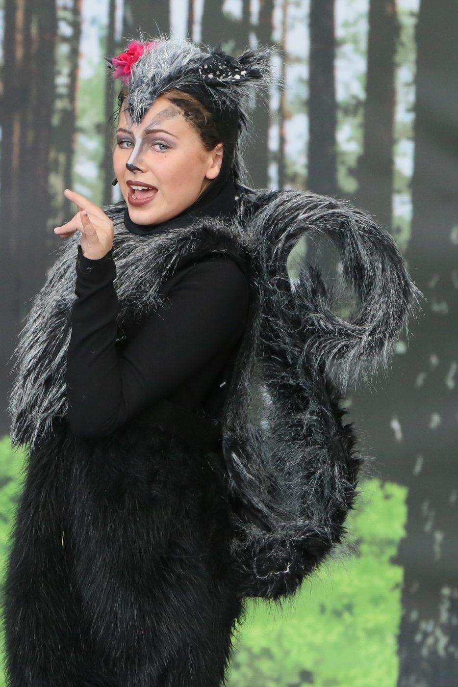 Kaela Hitsch spielt Iltis