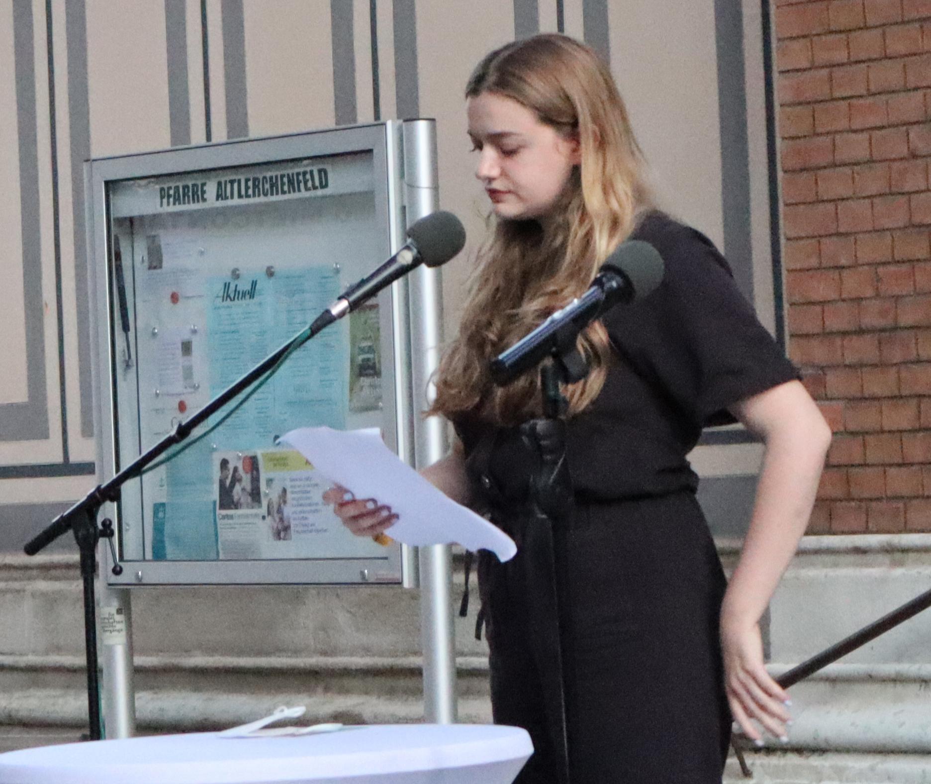 Lara Guttmann sprach für die Jüdische Österreichiche Hochschüler:innenschaft