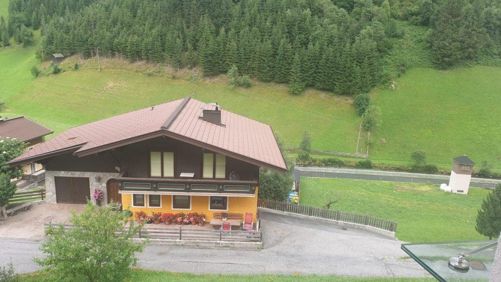 Umgebung rund um die Volksschule in Hüttschlag, wo die Aufführung stattgefunden hat