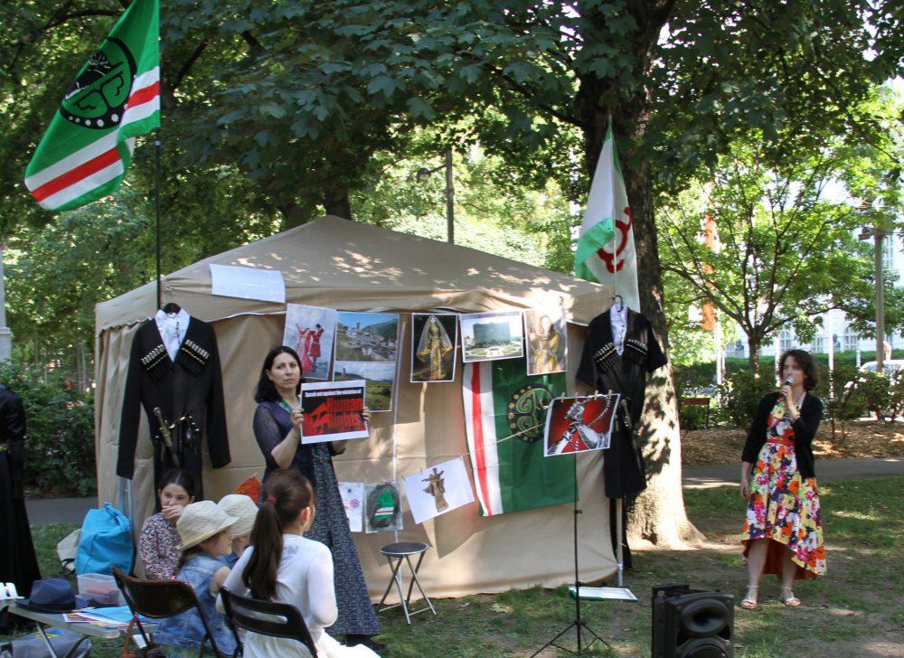 Lettische Aktivistin spricht