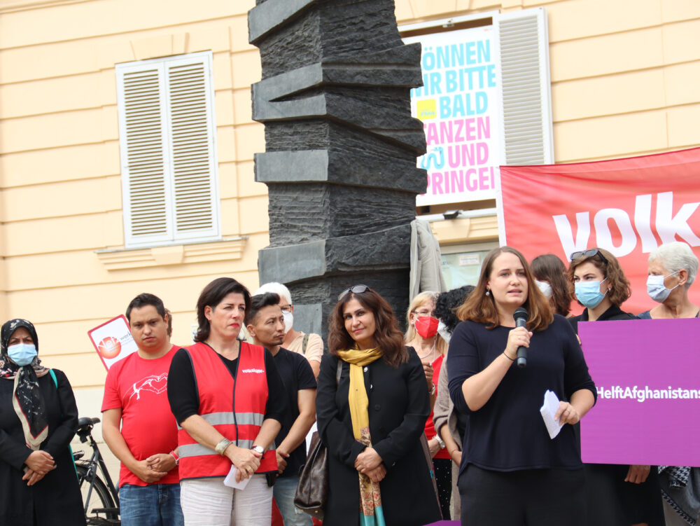 Kundgebung: Solidarität mit Afghanistans Frauen auf dem Wiener Platz der Menschenrechte