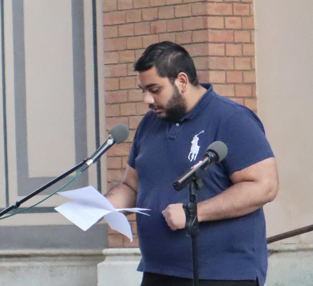 Mario Zurz, einer der Sieger:innen des mehrsprachigen Redebewerbs