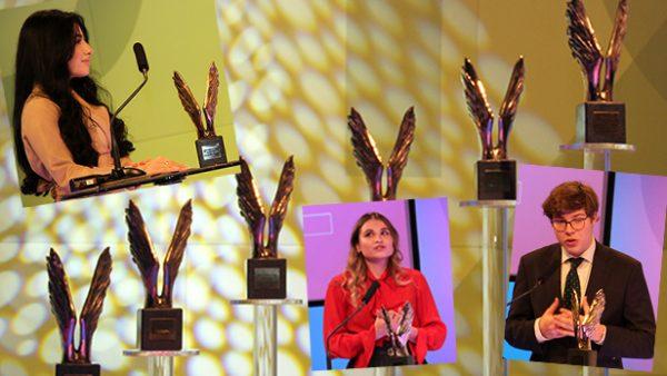 Bildmontage aus Fotos der Siegerin der Handelsschulen: parisa Norzehi, der HAK: Severin Rath sowie des Publikumspreises: Lea Krammer und den vielen Merkur-Statuen