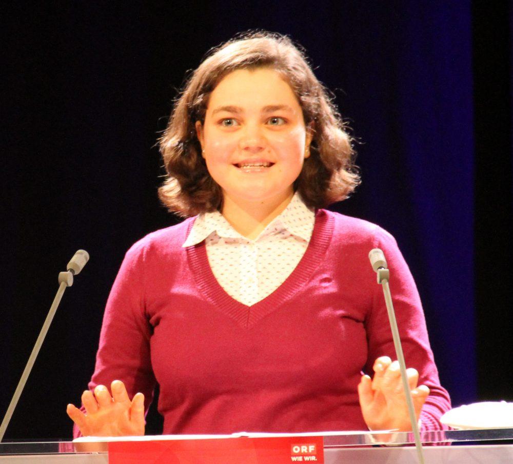 Miriam Abi-Ayad, Rednerin am Redepult