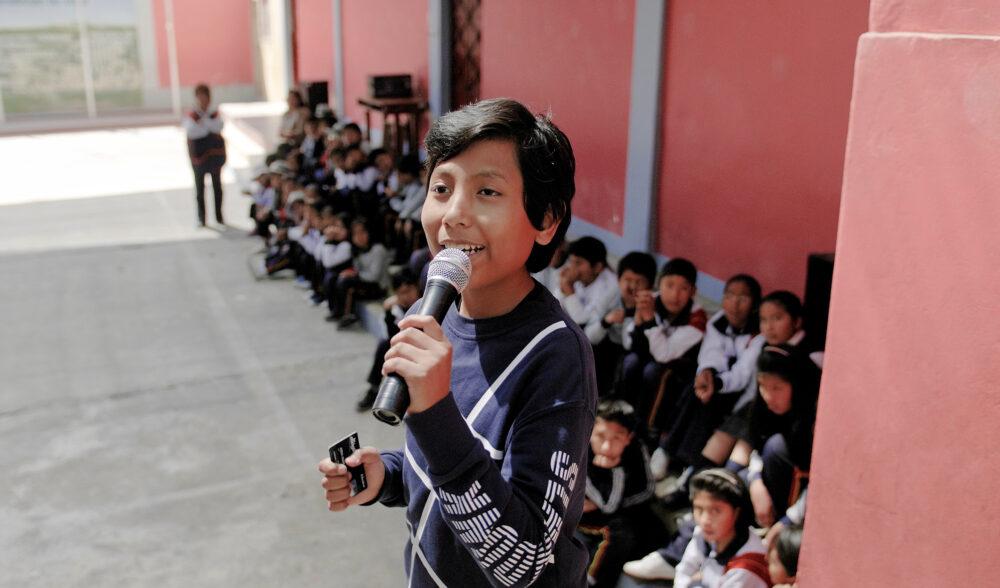 José Adolfo gründete mit sieben Jahren eine Umweltbank, die Kindern auszahlt, die wiederverwertbare Wertstoffe, insbesondere Papier, sammeln