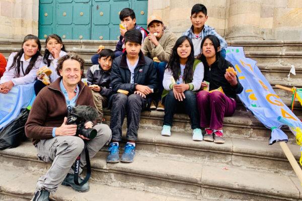 Regisseur Gilles de Maistre schafft mit seinem Film ein berührendes Porträt über die Kinder dieser Welt, die sich mit überwältigendem Mut und Optimismus gegen Ungerechtigkeit und Umweltzerstörung erheben