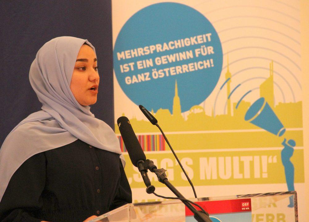 Rednerin Nahid Mohammadyan