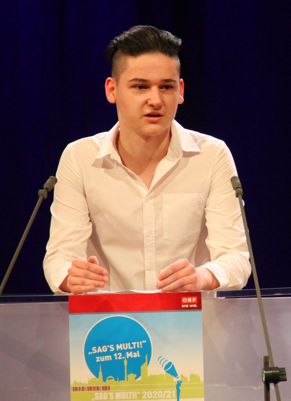 Jugendlicher am Redepult: Nemanja Stracenski