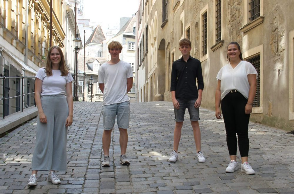 Johanna, Aljoscha, Matteo und Melanie in der Griechengasse, Wien