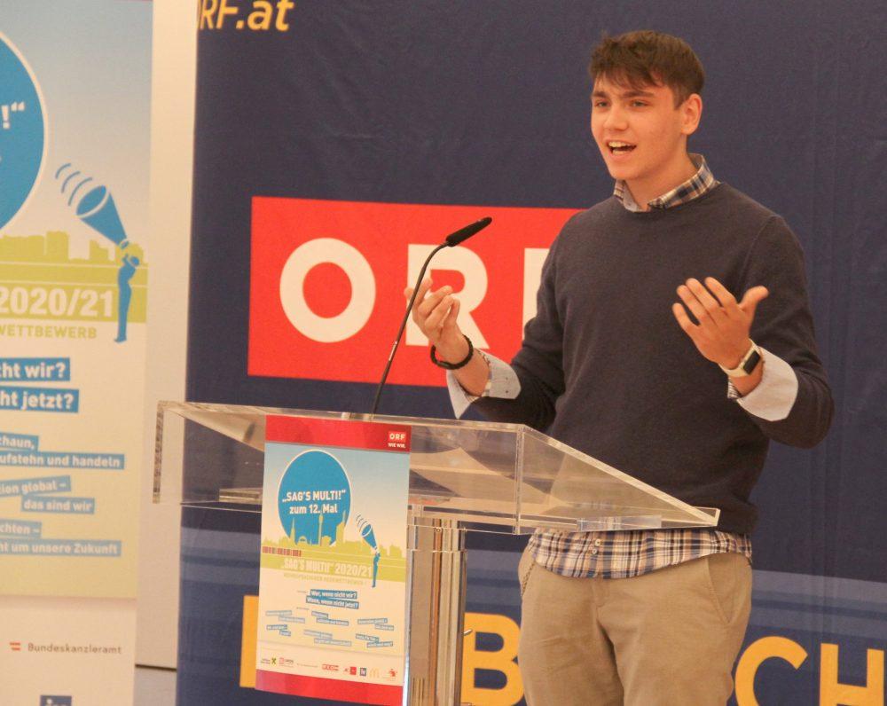 Redner Simon Cee