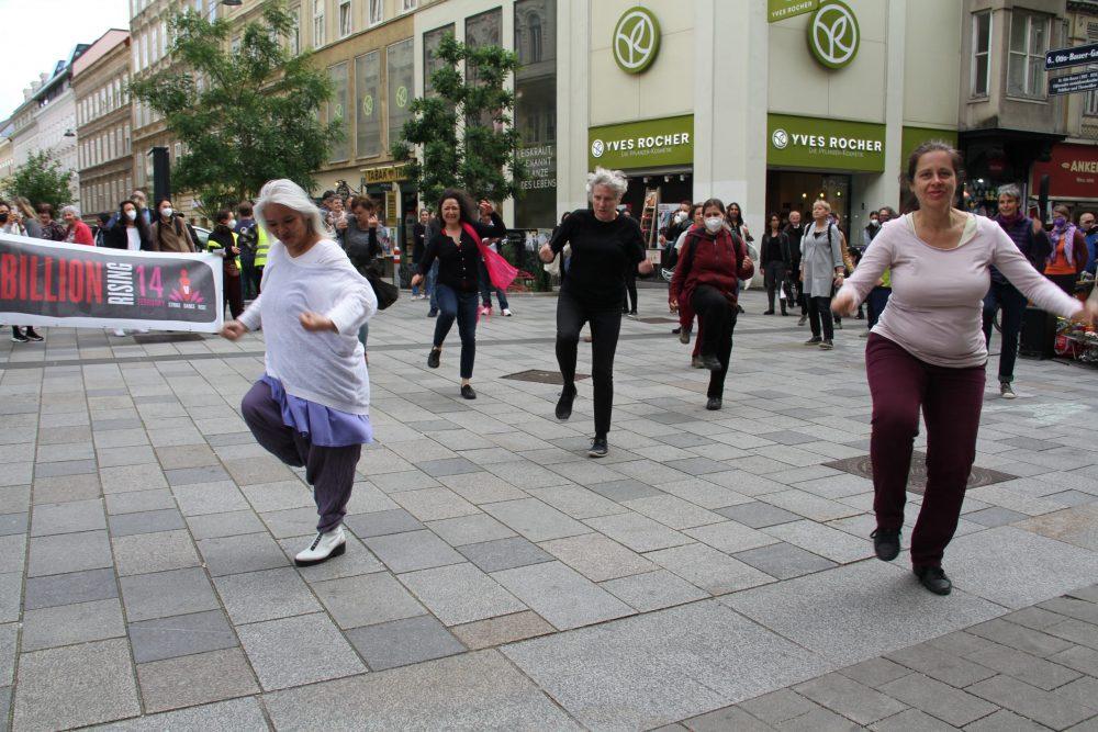Weitere Tänze bei der Aktion