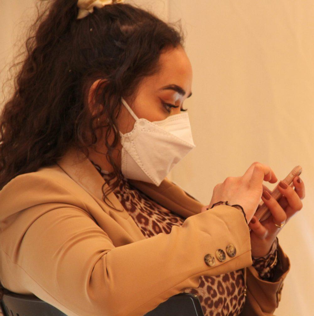 Yasmin Maatouk postet laufend aktuell auf Social Media über den Redebewerb